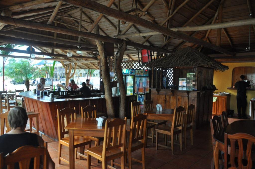 bar marino ballena restaurant